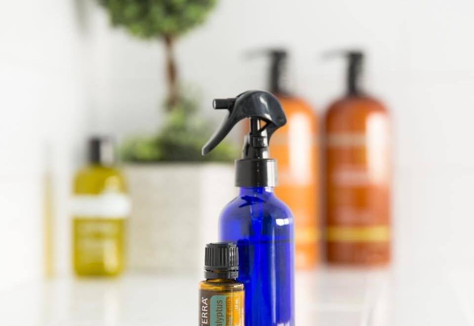 Dom bez chemii. Czy nie szkoda mi dobrych olejków do sprzątania?